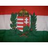 Nemzeti színű koszorús címeres zászló (45x28 cm) rúddal