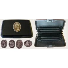 Bankkártya tartó metál fekete színű ón koszorús címer matricával