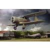 Beechcraft UC-43 Staggerwing repülő makett Roden 442