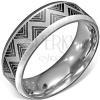 Acél gyűrű - szatén felület, fekete cikk cakk mintázattal