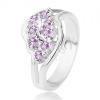 Csillogó gyűrű osztott szárakkal, lila kerek cirkóniák