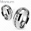 Titánium gyűrű - ezüst színű karika, csavart drót középen