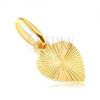 Lapos 14K arany medál - kitöltött szív gravírozott sugarakkal