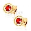 Fülbevaló 14K sárga aranyból - rovátkolt kör kontúr, piros gránát