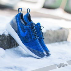Nike Wmns Roshe One Flyknit Dark Obsedian//Racer Blue-Deep Royal Blue