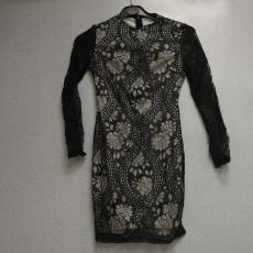 Fekete-fehér csipkés hosszú ujjú ruha - Egy méret