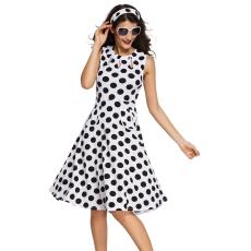 Fekete-fehér pöttyös bohém ruha