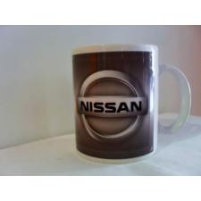 Autós bögre Nissan vicces ajándék