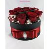 Fekete kicsi henger rózsa box vörös rózsákkal