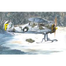Gloster Gladiator Mk.II repülő makett Roden 401 makett figura