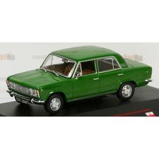 IST Modelcars Polski Fiat 125P (1969) autómodell autópálya és játékautó