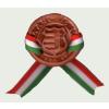 Kerámia kokárda Kossuth címerrel, nemzeti színű szalaggal és biztosító tűvel