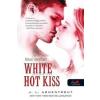 Könyvmolyképző Kiadó Jennifer L. Armentrout-Perzselő csók (Új példány, megvásárolható, de nem kölcsönözhető!)
