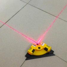 Lézeres derékszög mérő, 19x13,4 cm mérőműszer