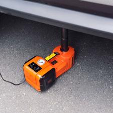 Multifunkciós, hordozható pneumatikus autóemelő és gumiabroncs fújó autójavító eszköz