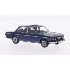 Neo Scale Models BMW E3 3.0i (1971) autómodell autópálya és játékautó
