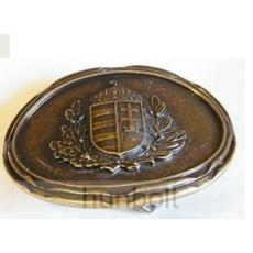 Ovális világos bronz koszorús címeres övcsat (8X6,5 cm)