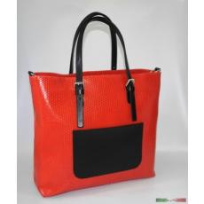 Szögletes fazonú piros táska